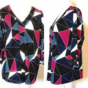 New directions blouse, Sz 1X, geometric, multicolo